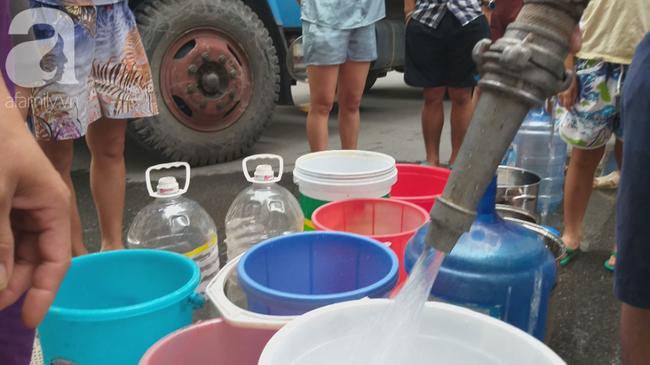 Nhiều người dân Hà Nội đau bụng, nổi mẩn nghi do nguồn nước nhiễm bẩn - Ảnh 8.