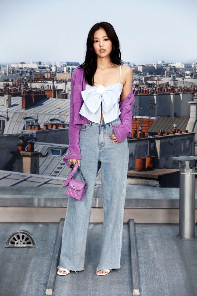 Từng bị chê quê mùa, nay đồ tím giống Jennie (Black Pink) được sao Việt thi nhau diện - Ảnh 1.