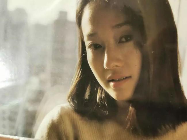 Ảnh hậu Mã Y Lợi khoe nhan sắc tuổi 20, lần đầu chia sẻ về quan điểm tình yêu sau ly hôn: Đại gia thì có gì ghê gớm - Ảnh 4.