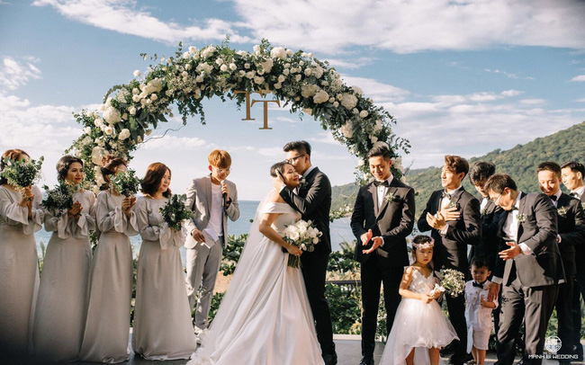 Sinh 3 đứa con, ở bên nhau 10 năm không có đám cưới, nhưng sau khi mặc váy cô dâu hơn 1 năm nhà văn Gào đã chính thức tuyên bố đường ai nấy đi - Ảnh 1.