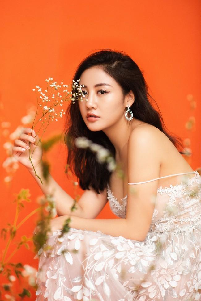 Phản hồi chính thức của Văn Mai Hương trước tin đồn chồng sắp cưới của cô là Bùi Anh Tuấn - Ảnh 2.