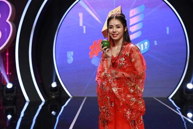 """Trường Giang tình nguyện đệm đàn cho Hương Ly hát live """"Sóng Gió"""" - Ảnh 3."""