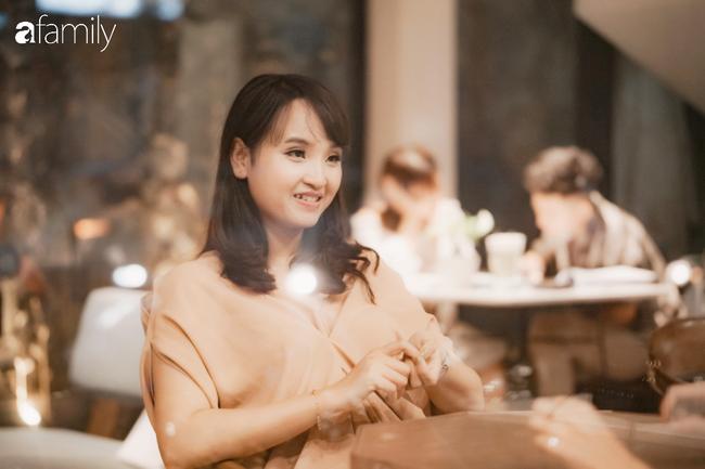 Chuyện của Thu Hà: Cô gái quê xây nên sự nghiệp tiền tỷ nhờ bán vé máy bay, từ bồi bàn trở thành bà chủ có nhà xịn, xế sang - Ảnh 1.