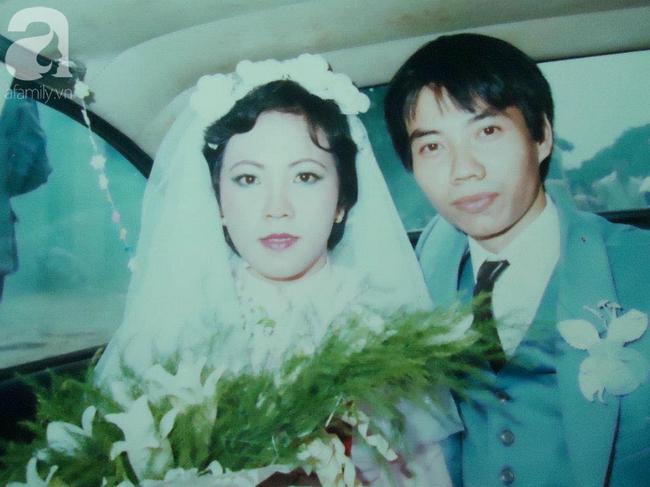 """""""Hot girl Sài Gòn"""" và đám cưới hoành tráng 30 năm trước: Màn """"cướp người yêu"""" ngoạn mục nhờ cái quỳ gối cùng lời dọa dẫm của chàng trai quá si tình - Ảnh 4."""