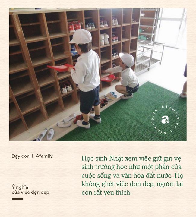 Học sinh Nhật tự dọn dẹp phòng học và nhà vệ sinh: Mục đích không chỉ để cho sạch mà còn chứa đựng cả bài học ý nghĩa - Ảnh 2.