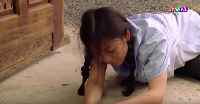 """""""Tiếng sét trong mưa"""": Cai Tuất lần thứ 2 cưỡng bức con gái Thị Bình, cô gái cố vùng vẫy rồi bị đánh ngất xỉu  - Ảnh 9."""
