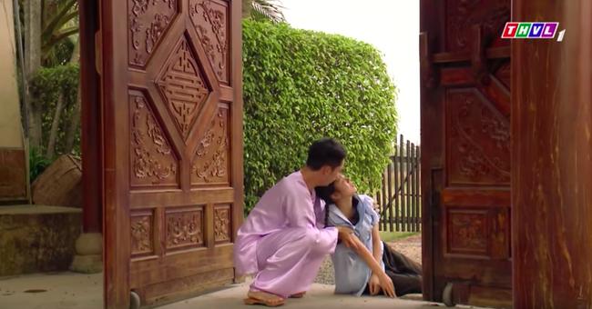 """""""Tiếng sét trong mưa"""": Cai Tuất lần thứ 2 cưỡng bức con gái Thị Bình, cô gái cố vùng vẫy rồi bị đánh ngất xỉu  - Ảnh 11."""