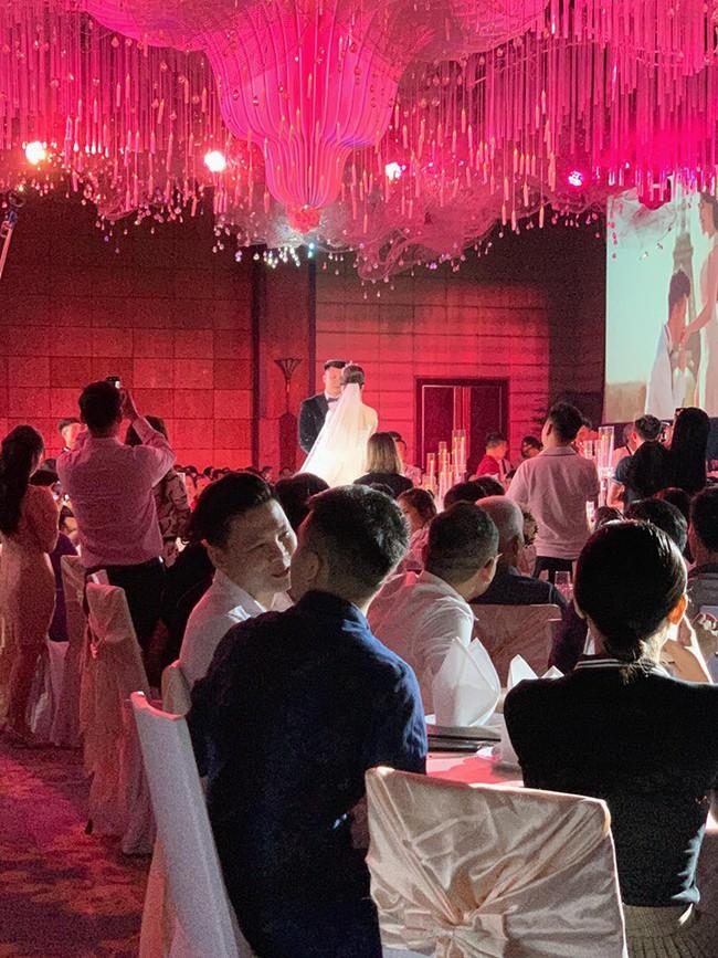Không có lễ cưới với cơ trường Hà Duy, Âu Hà My được bù lại bằng một đám cưới xa hoa như vườn cổ tích, đón dâu bằng Roll Royce siêu sang - Ảnh 4.