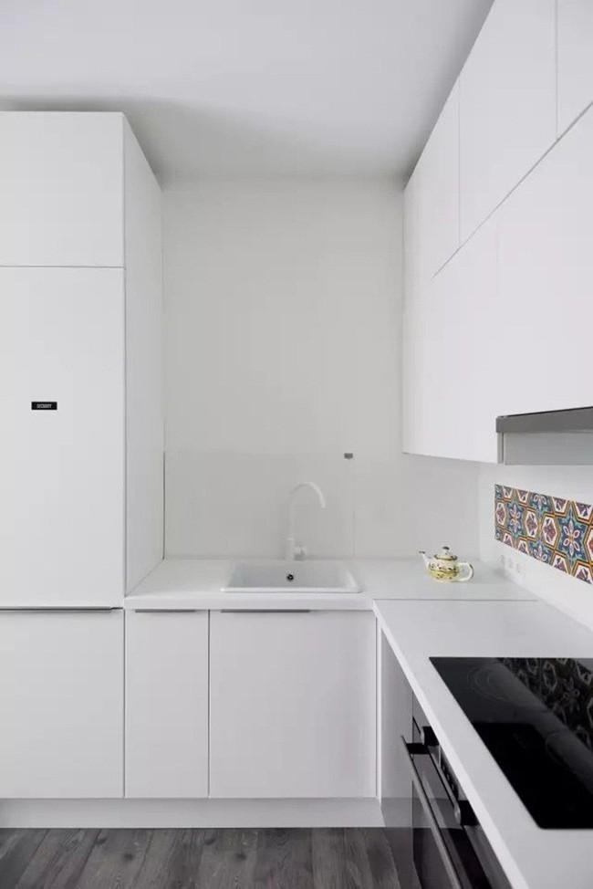 Mẹo sắp xếp đồ đạc tăng lưu trữ giúp không gian căn hộ 35m2 tiện nghi, thoáng rộng của vợ chồng trẻ - Ảnh 11.