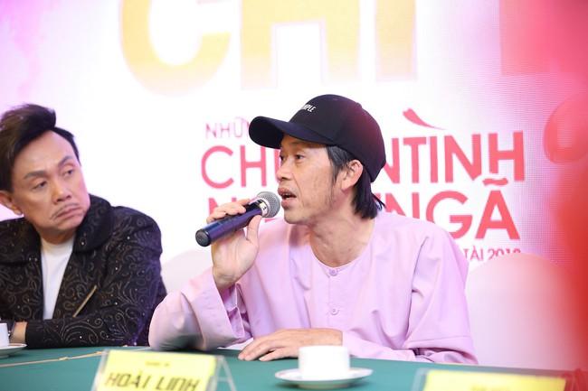 """Bức ảnh hot trong ngày: Hoài Linh tái xuất, vui vẻ nói cười với Thị Bình - Nhật Kim Anh của """"Tiếng sét trong mưa""""  - Ảnh 11."""