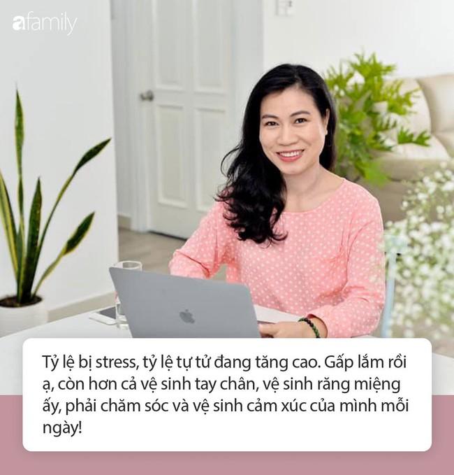 """Nhà báo Thu Hà: Ngày nào cũng giục con đánh răng, làm bài tập nhưng có điều """"gấp lắm rồi"""" thì cha mẹ lại không nhắc - Ảnh 2."""