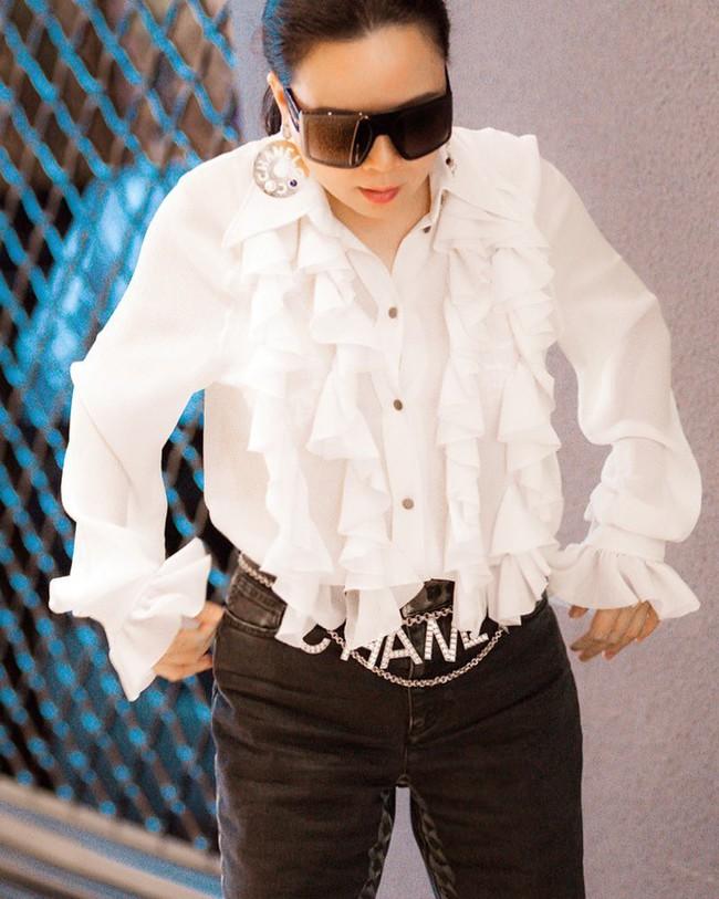 """Ngược đời thật sự: Phượng Chanel đeo thắt lưng thì bị chê hết lời, """"mang"""" lên cổ đeo lại có cái kết hoàn toàn khác - Ảnh 4."""