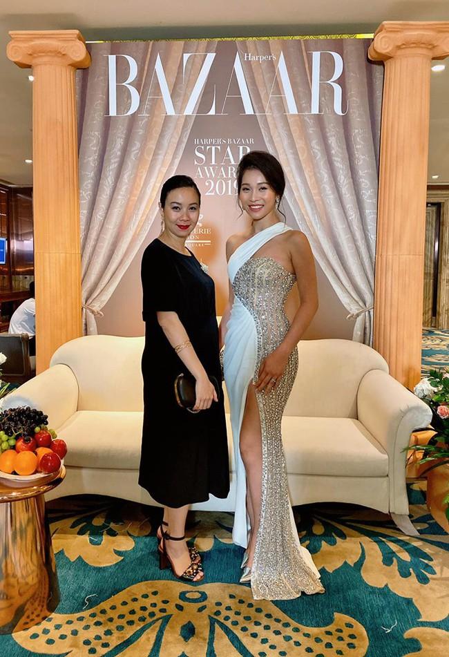 """Hiếm hoi mới đi dự sự kiện cùng chồng, bà xã Shark Hưng đẹp hút mắt với nhan sắc và body """"cực phẩm"""" - Ảnh 2."""