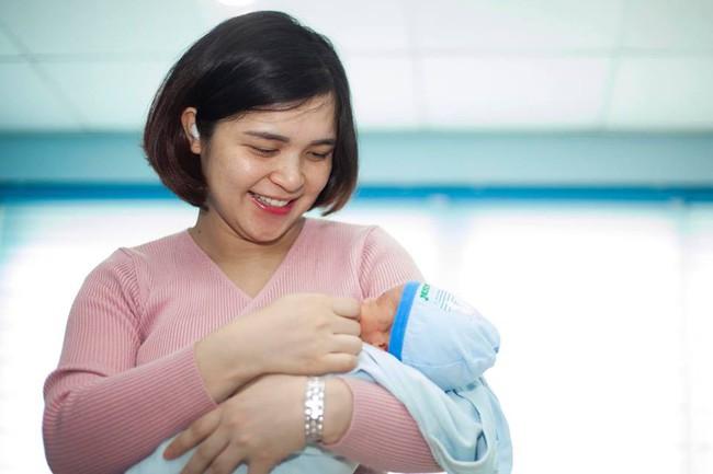 Chị Kính Hồng đón con trai đầu lòng vào tháng 1 vừa qua.