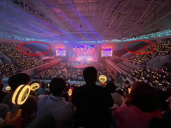 Sau BLACKPINK, đến lượt TWICE bị khán giả quê nhà làm lơ, tổ chức fanmeeting nhưng vẫn còn đầy ghế trống - Ảnh 3.