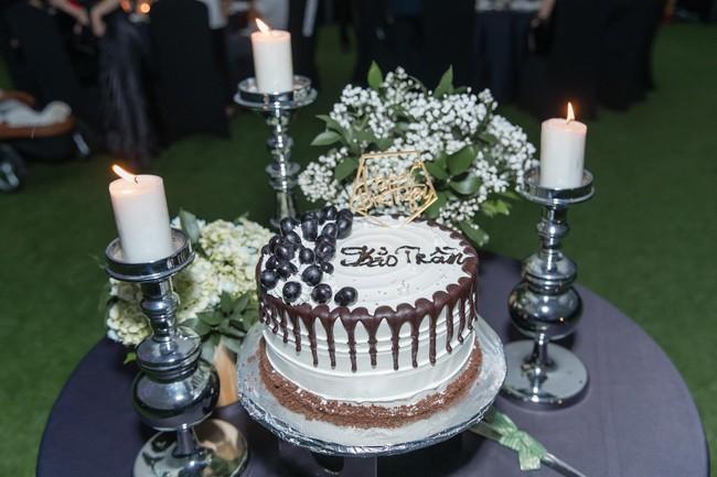 Choáng với tiệc sinh nhật tuổi 33 của anh trai Bảo Thy: tổ chức ở nhà hàng xa xỉ, bàn tiệc 10 người, dựng rạp to như đám cưới - Ảnh 7.