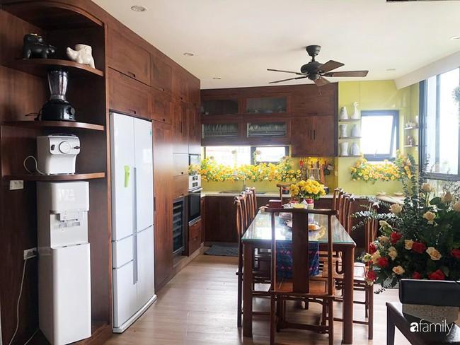 """Căn bếp nhỏ chứa """"vạn đồ"""" hữu ích bên trong khiến ai cũng bất ngờ khi mở ra của bà mẹ Hà Nội - Ảnh 13."""