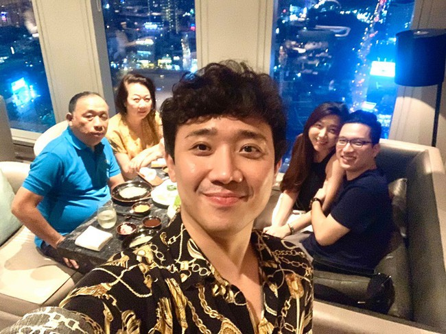 Hari Won vắng mặt trong bữa tiệc sinh nhật mẹ Trấn Thành và đây là nguyên nhân - Ảnh 1.