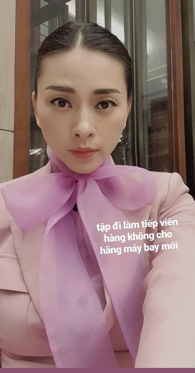 """Ngô Thanh Vân bỗng """"sến súa"""" với đồ tím hot trend, khác hẳn style cá tính như gái đôi mươi mọi khi - Ảnh 1."""