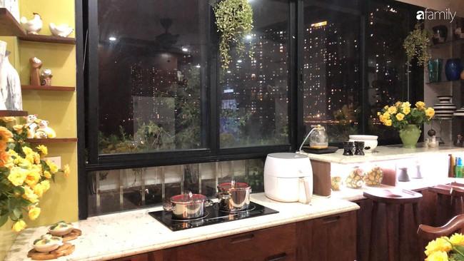 """Căn bếp nhỏ chứa """"vạn đồ"""" hữu ích bên trong khiến ai cũng bất ngờ khi mở ra của bà mẹ Hà Nội - Ảnh 18."""