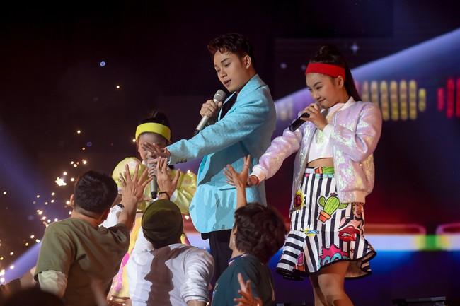 """Trúc Nhân mang hit """"Sáng mắt chưa"""" khuấy động sân khấu sân khấu Giọng hát Việt nhí 2019 - Ảnh 2."""