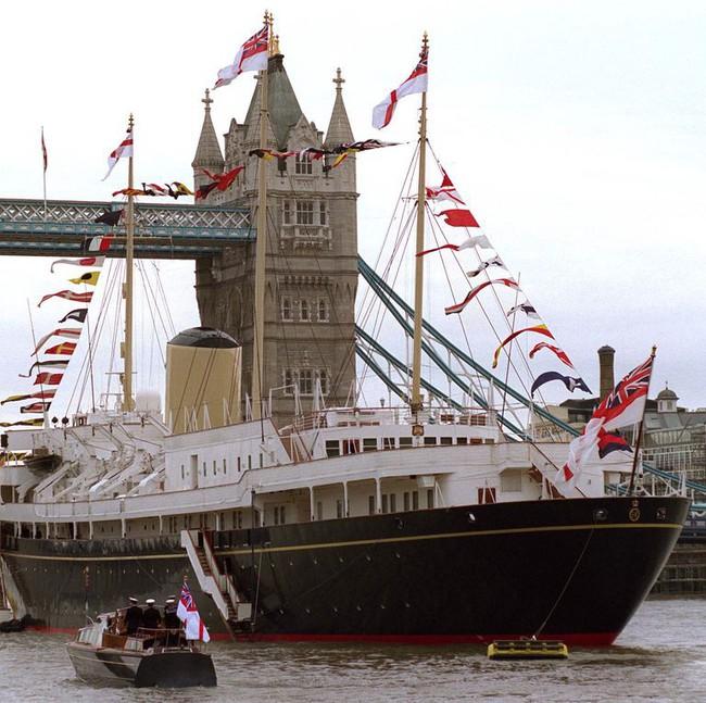 """Lời nguyền """"trăng mật"""" trên chiến du thuyền sang trọng bậc nhất hoàng gia: 4 cặp đôi đều tan nát gia đình, trong đó có 3 người con của Nữ hoàng Anh - Ảnh 1."""