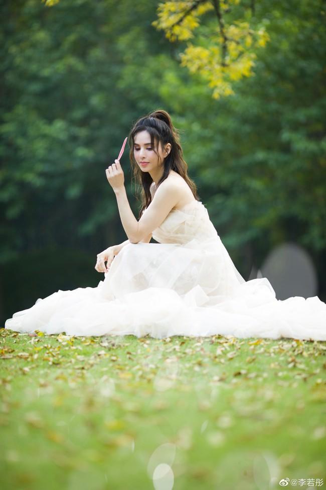 Lý Nhược Đồng lần đầu mặc váy cưới, lý do khiến mọi người đều cảm động - Ảnh 4.