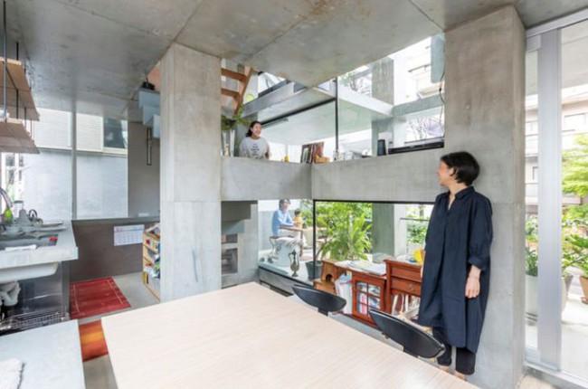 Nhà phố bê tông trong ngõ nhỏ tạo ấn tượng với 4 tầng đều kết nối với ánh sáng bên ngoài của vợ chồng KTS trẻ - Ảnh 9.
