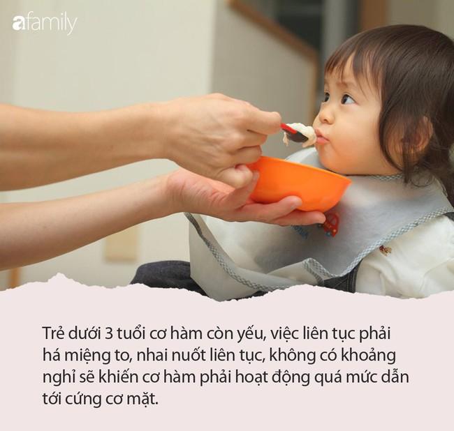 """""""Há miệng to ra nào"""" - câu nói sai lầm khi cho trẻ ăn của các bà mẹ đang làm hại con - Ảnh 4."""