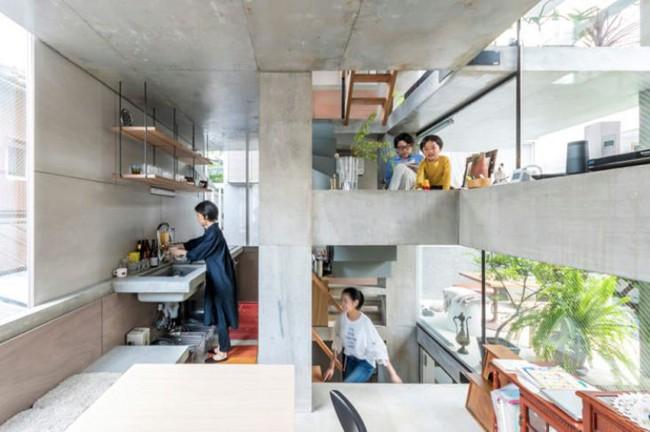 Nhà phố bê tông trong ngõ nhỏ tạo ấn tượng với 4 tầng đều kết nối với ánh sáng bên ngoài của vợ chồng KTS trẻ - Ảnh 7.