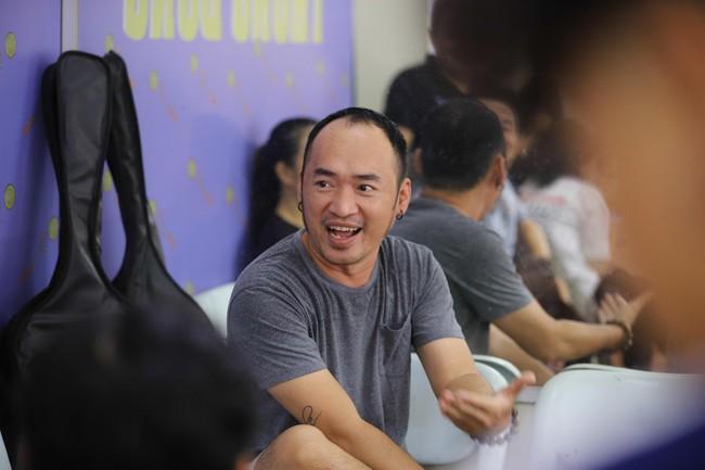 """Chẳng ai như Tiến Luật, """"lợi dụng"""" Chí Tài để công khai nói yêu Thu Trang - Ảnh 2."""