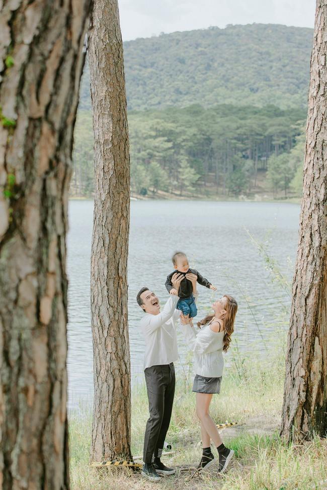 Con trai cưng Bảo Bảo của Lương Thế Thành – Thúy Diễm phấn khích cùng bố mẹ thăm thú Đà Lạt - Ảnh 10.