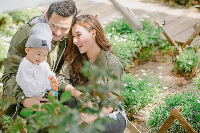 Con trai cưng Bảo Bảo của Lương Thế Thành – Thúy Diễm phấn khích cùng bố mẹ thăm thú Đà Lạt - Ảnh 3.