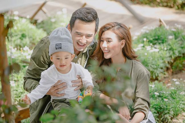 Con trai cưng Bảo Bảo của Lương Thế Thành – Thúy Diễm phấn khích cùng bố mẹ thăm thú Đà Lạt - Ảnh 4.