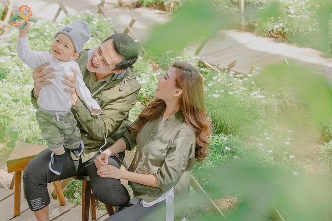 Con trai cưng Bảo Bảo của Lương Thế Thành – Thúy Diễm phấn khích cùng bố mẹ thăm thú Đà Lạt - Ảnh 6.
