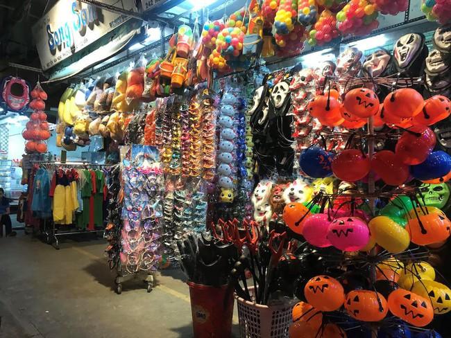 3 địa điểm bán và cho thuê đồ Halloween rẻ, đẹp mà các tín đồ thích hóa trang sống ảo tại Sài Gòn cần biết - Ảnh 2.
