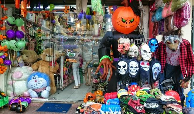 3 địa điểm bán và cho thuê đồ Halloween rẻ, đẹp mà các tín đồ thích hóa trang sống ảo tại Sài Gòn cần biết - Ảnh 3.