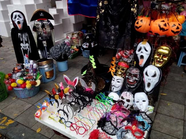 3 địa điểm bán và cho thuê đồ Halloween rẻ, đẹp mà các tín đồ thích hóa trang sống ảo tại Sài Gòn cần biết - Ảnh 4.