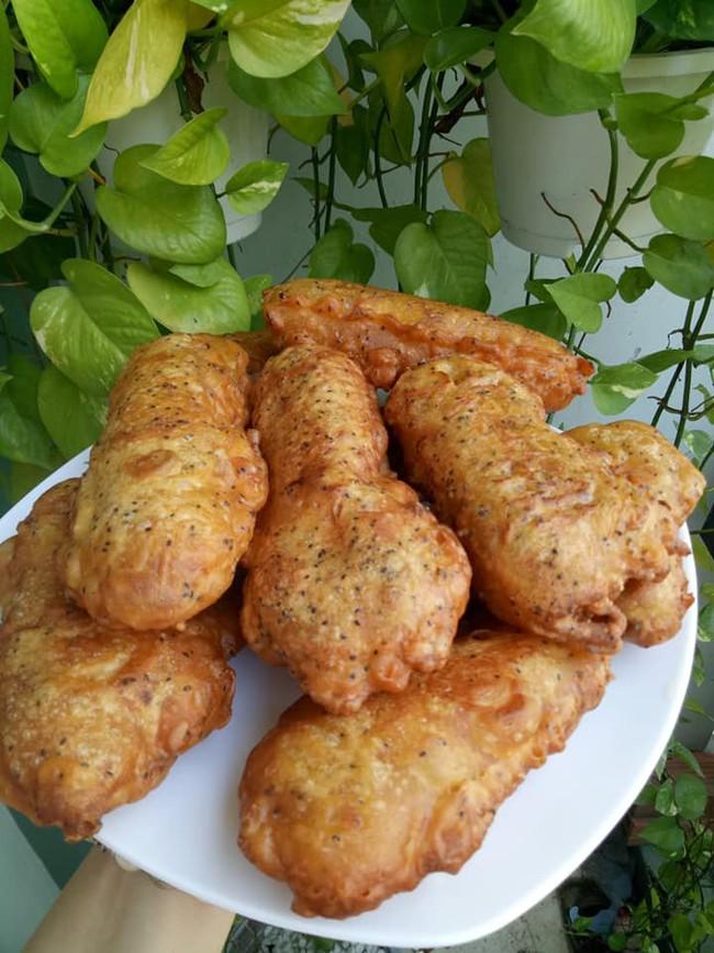 Cách làm bánh chuối chiên để 2 tiếng vẫn giòn rụm và bánh chuối nướng dẻo thơm chuẩn vị - Ảnh 3.