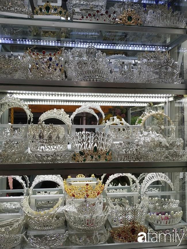 """Vào mùa cưới, người Sài Gòn lại rủ nhau tới khu chợ đồ cưới """"bao rẻ, bao đẹp"""" ở quận Tân Bình - Ảnh 17."""