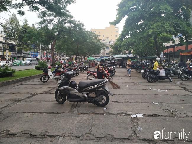 """Vào mùa cưới, người Sài Gòn lại rủ nhau tới khu chợ đồ cưới """"bao rẻ, bao đẹp"""" ở quận Tân Bình - Ảnh 2."""