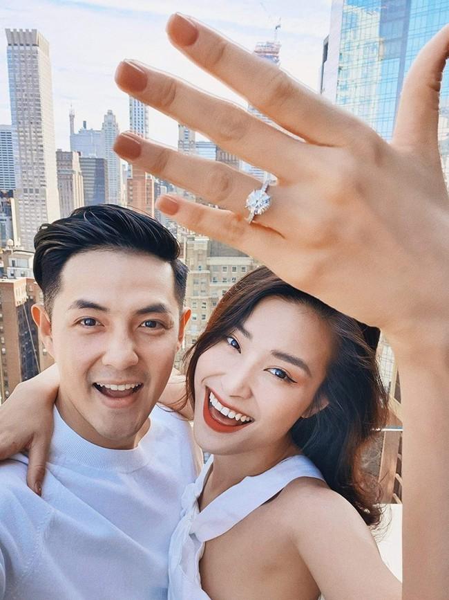 Những cặp đôi càng ngắm càng hiện rõ tướng phu thê của showbiz Việt, bất ngờ nhất là nhân vật cuối cùng - Ảnh 1.