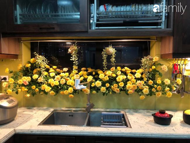 """Căn bếp nhỏ chứa """"vạn đồ"""" hữu ích bên trong khiến ai cũng bất ngờ khi mở ra của bà mẹ Hà Nội - Ảnh 7."""