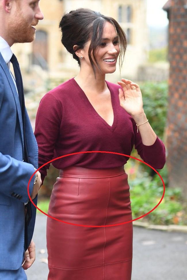 Meghan Markle chẳng ngán để lộ bụng to còn Hoàng hậu Letizia thì đẹp miễn bàn khi đụng chân váy da sang chảnh - Ảnh 6.