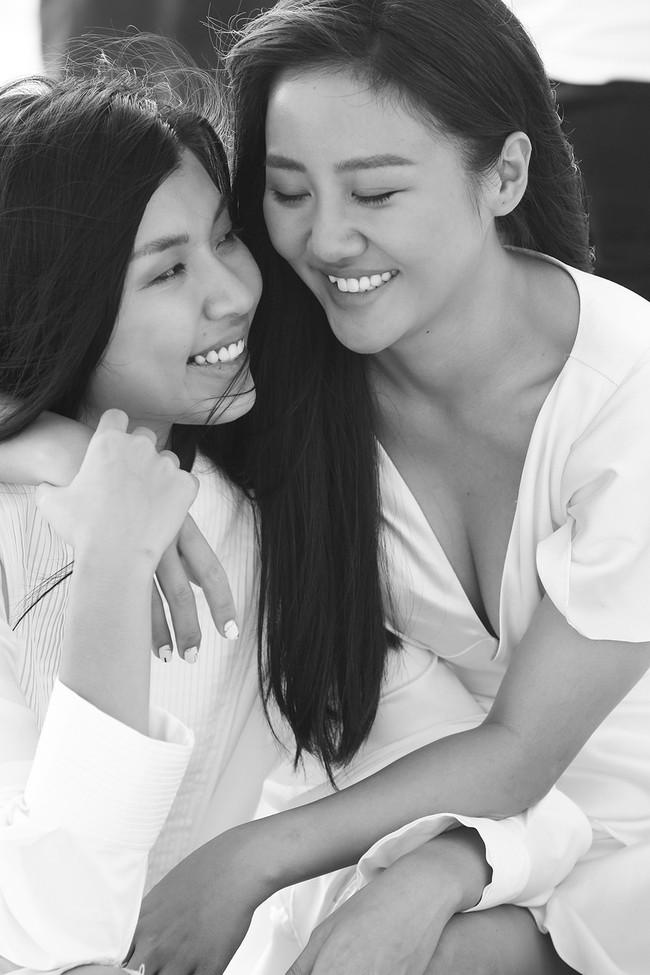 Văn Mai Hương tiếp tục lừa cả showbiz: Không đám cưới với Bùi Anh Tuấn mà hôn môi đồng giới Đồng Ánh Quỳnh - Ảnh 11.