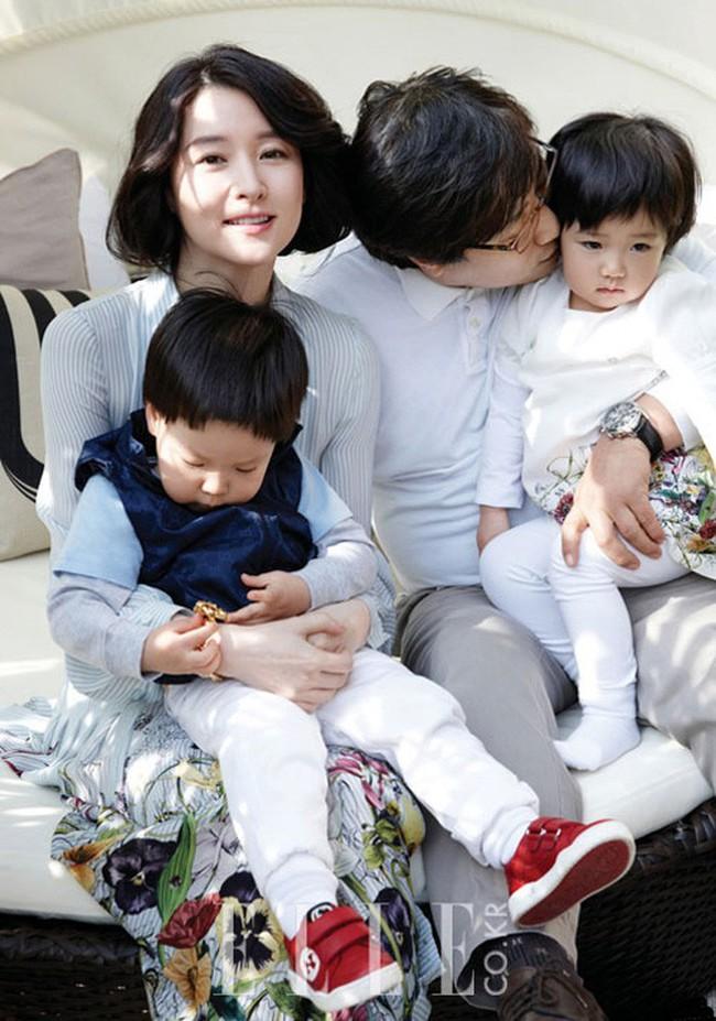 """Lộ hình ảnh hiếm hoi của chồng đại gia 70 tuổi và con trai của """"nàng Dae Jang Geum"""" Lee Young Ae - Ảnh 4."""