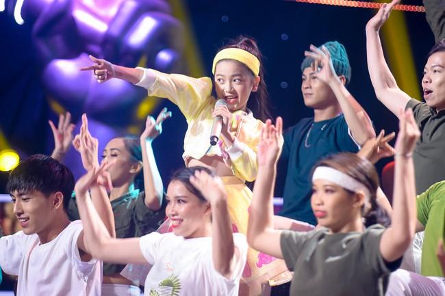 """Công chúa """"The Voice Kids"""" Minh Tâm: Con không buồn khi bị chê mà sẽ cố gắng để học hỏi nhiều hơn - Ảnh 1."""