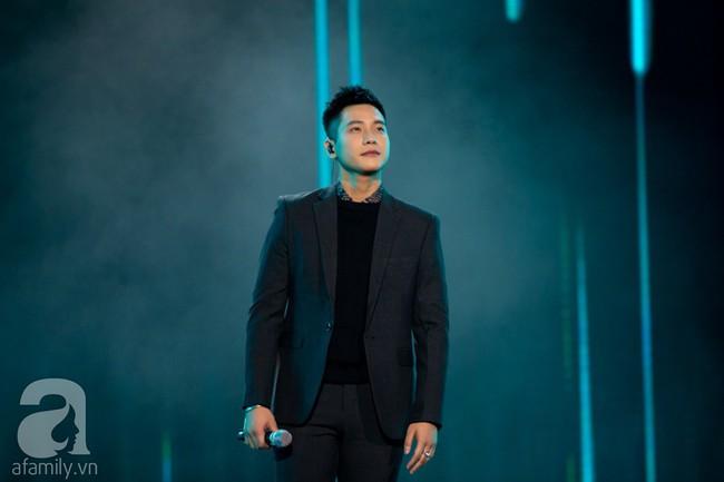 Trình diễn loạt hit triệu view, Bích Phương cùng Trúc Nhân lần lượt làm bùng nổ show âm nhạc Việt - Hàn tháng 10 - Ảnh 9.