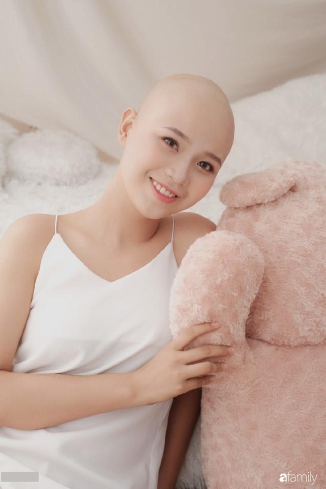 Cô gái ung thư vẫn quyết thi nhan sắc đã lọt vào top 12 Duyên dáng Ngoại thương, tâm sự trên đời chẳng gì đáng sợ bằng từ bỏ ước mơ - Ảnh 10.