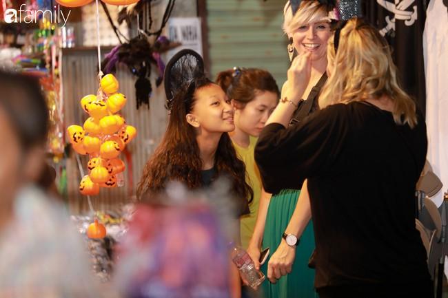 """Đêm Halloween ở hai miền Nam Bắc: Tạo hình có đủ cả bay bổng, rùng rợn hứa hẹn một đêm Halloween """"quẩy cực xung"""" - Ảnh 4."""
